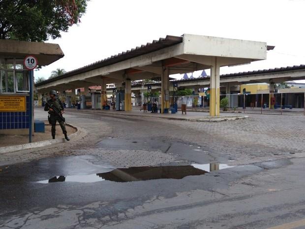 Ônibus estão sendo recolhidos para as garagens na Grande Vitória (Foto: Diony Silva/ A Gazeta)