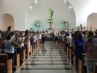 Fiéis se reúnem para homenagear Irmã Dulce em Salvador