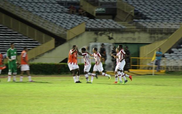 Piauí x Náutico (Foto: Emanuele Madeira/GloboEsporte.com)