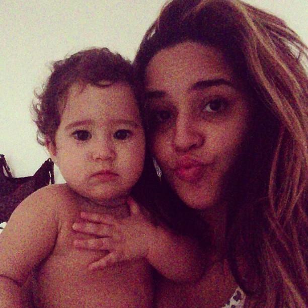 Perlla e a filha (Foto: Instagram/Reprodução)