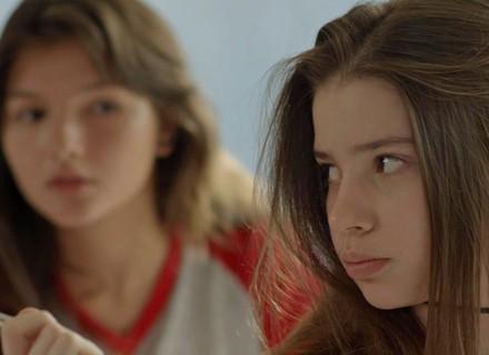 Manuela é fofa com Fábio e Luíza fica chocada