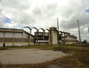 Estádio João Alves (Foto: Tribuna da Praia)