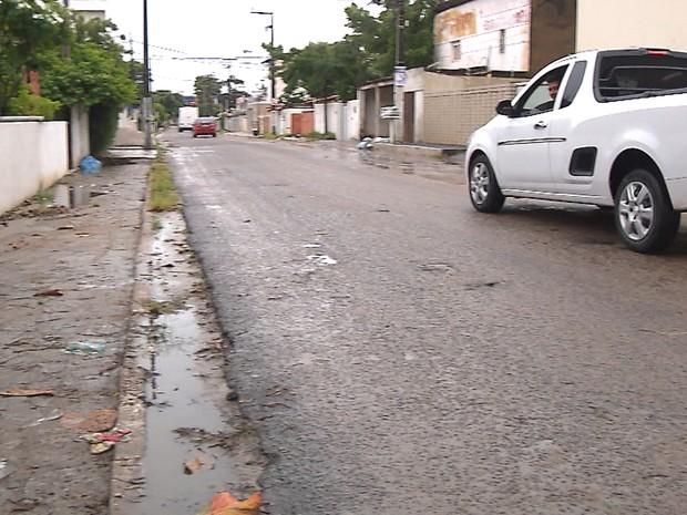 Rua onde abordagem aconteceu é movimentada (Foto: Reprodução/TV Cabo Branco)