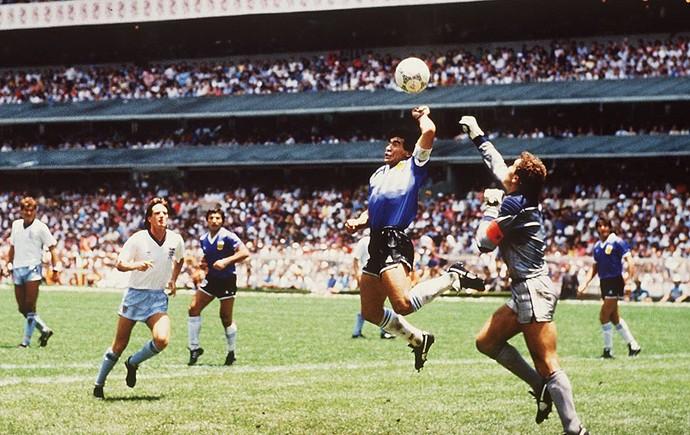 Maradona bola Copa do Mundo 1986 (Foto: Getty Images)