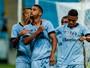 """Na volta de Bolaños, Grêmio quebra """"empatite"""" e atropela o Ju na Arena"""