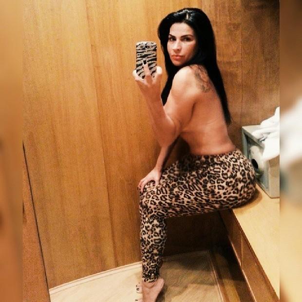 Solange Gomes faz topless (Foto: Instagram/ Reprodução)