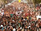 Bandas carnavalescas desfilam pelas ruas de Santos até o dia 9 de fevereiro