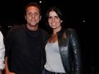 Malu Mader e Tony Bellotto vão ao teatro em São Paulo