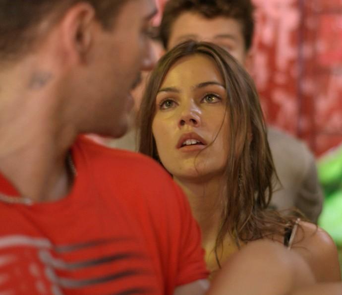 Alina revoltz!! (Foto: TV Globo)