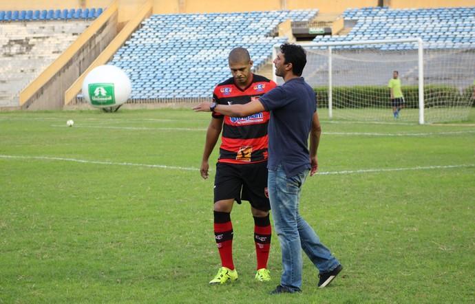 Athirson Flamengo-PI (Foto: Abdias Bideh/GloboEsporte.com)