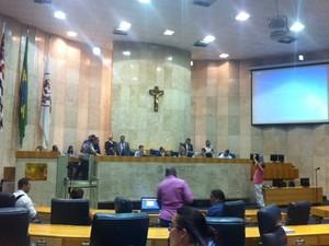 Vereadores apresentam relatório da CPI dos Transportes na Câmara (Foto: Roney Domingos/G1)