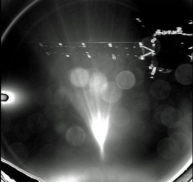 Philae mandou imagem logo após se desprender da Rosetta (Foto: ESA/Rosetta/Philae/CIVA )