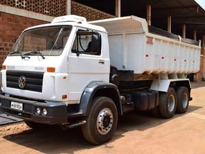Caçamba era o veículo disponível de maior valor, mas não foi arrematado (Foto: Divulgação/ Prefeitura de Tocantinópolis)