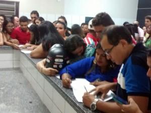Fãs registraram boletim de ocorrência na Central de Flagrantes (Foto: Divulgação/PM)