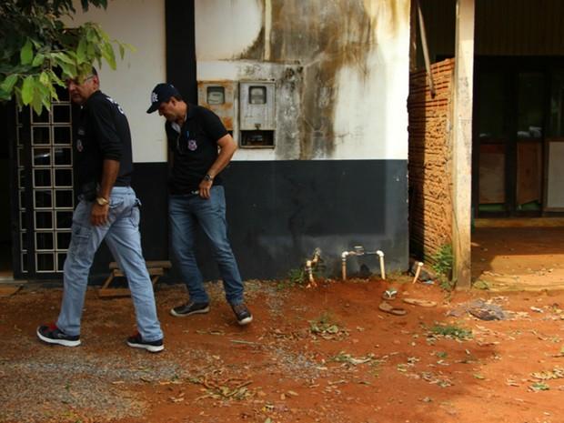 Criminosos aproveitaram saída de policial plantonista para invadir delegacia (Foto: Michel Ferreira/ Ubiratã 24 Horas)