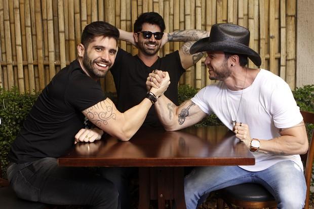 João Gabriel, Rodrigão e Bruno Araújo: clima de desocntração constante entre o trio (Foto: Celso Tavares/EGO)