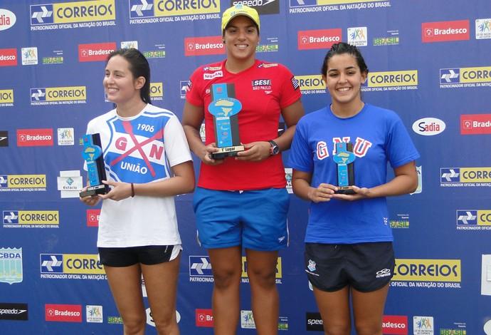 Ana Marcela repete feito das duas etapas anteriores e vence em Angra dos Reis (Foto: Zequinha Santos - Divulgação CBDA)