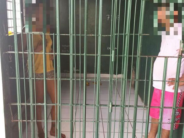 Mulher é flagrada na mesma cela que homem; caso teria acontecido em delegacia em Palmas (Foto: Divulgação)