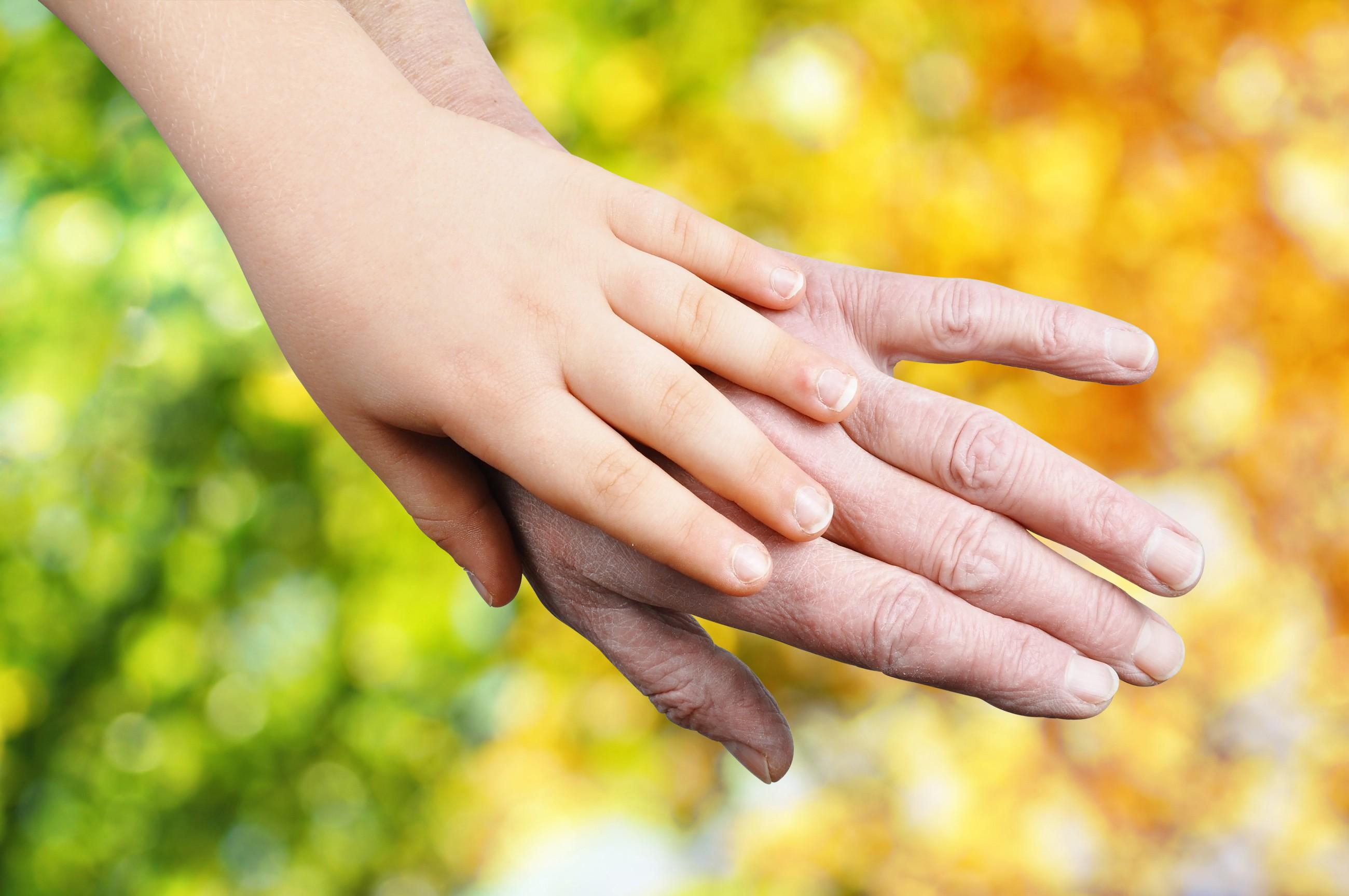 Criança e avós (Foto: ThinkStock)