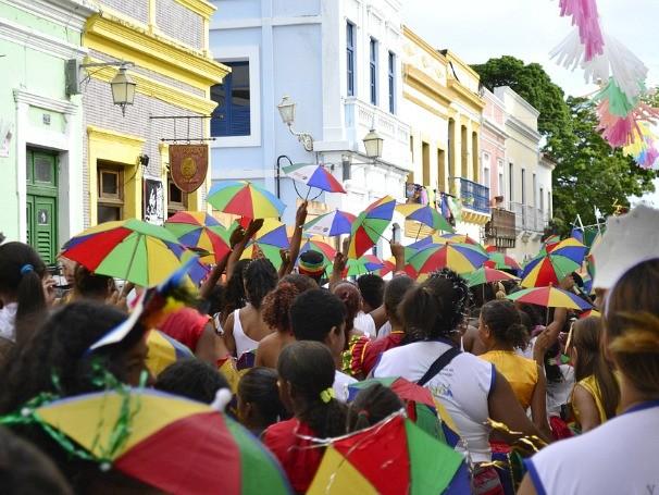 O frevo vai colorindo as ruas de Olinda (Foto: Jan Ribeiro / Pref. Olinda)