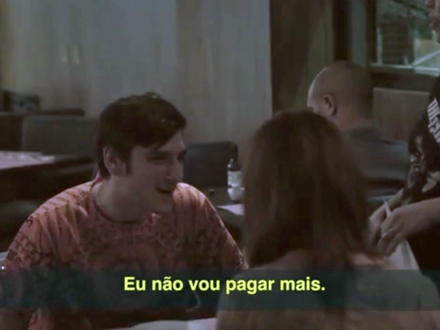 Restaurante Carmona cobra taxa extra do público masculino em ação da Agnelo Comunicação. (Foto: Reprodução/YouTube)