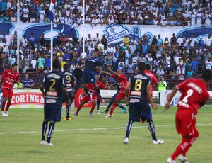 Clássico entre CSA e CRB, no primeiro turno do Hexagonal do Campeonato Alagoano (Foto: Jonathan Lins/G1)