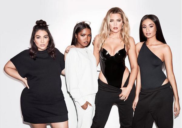 A celebridade Khloé Kardashian com amigas (Foto: Instagram)