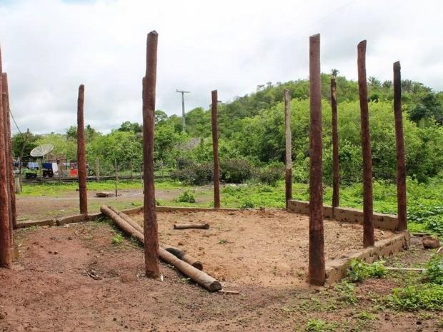 Fundações da biblioteca já foram colocadas, no Piauí (Foto: Reprodução/Facebook)