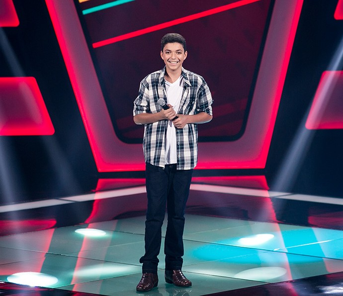 Wagner Barreto solta a voz no palco do The Voice Kids (Foto: Isabella Pinheiro/Gshow)