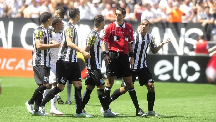 Corinthians x Santos Flavio Rodrigues Guerra David Braz (Foto: Marcos Ribolli)