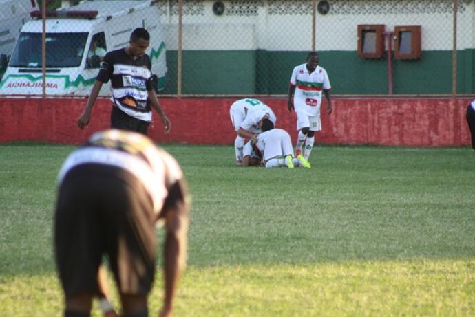 Portuguesa comemorando gol (Foto: Carlos Grevi/ Ururau)