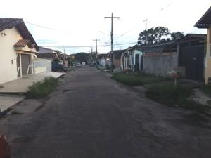 Rua Cajarí, local onde ocorreu a tentativa de assalto em Macapá (Foto: John Pacheco/G1)