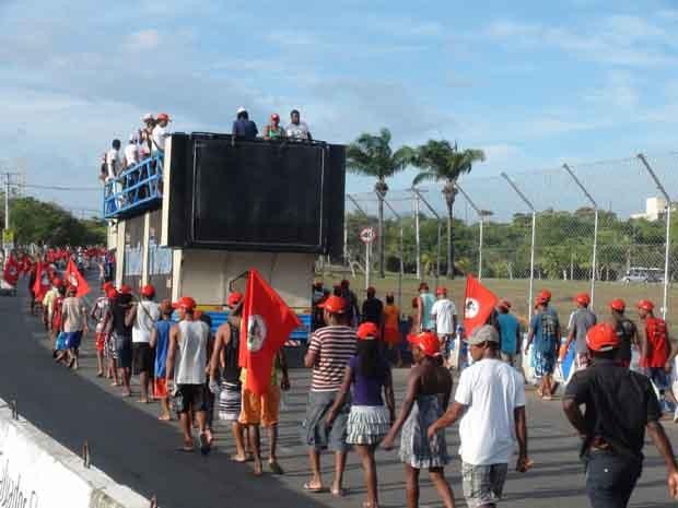 MST faz passeata no CAB, em Salvador (Foto: Ruan Melo/G1 Bahia)