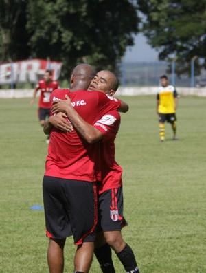 Com mais liberdade, Gilmak marca gol, mas diz prefere ficar na marcação (Foto: Rogério Moroti / Assessoria BFC)