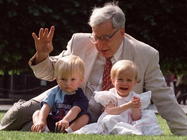 A técnica desenvolvida por Edwards permitiu o nascimento de 4 milhões de pessoas desde 1978. (Foto: AP Photo / Alastair Grant / Arquivo)