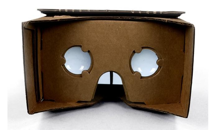 Estrutura de papelão usa lentes e tela de smartphone para dar sensaçao de imersão (Foto: Reprodução/Paulo Alves)