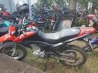 Dupla é presa com moto roubada e porções de drogas em Ji-Paraná, RO