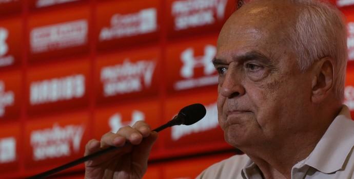 São Paulo busca reforços para amenizar crise, diz Leco