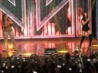 Simaria ousa no decote em show com Simone no Rio