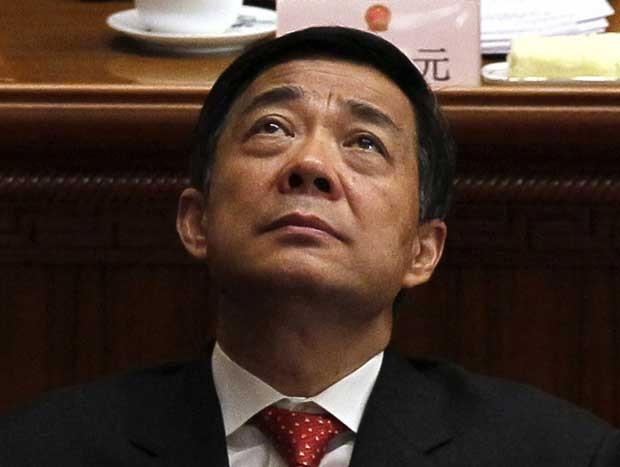 Foto de 14 de março mostra Bo Xilai, então do Partido Comunista, durante encontro do partido em Pequim (Foto: AP)