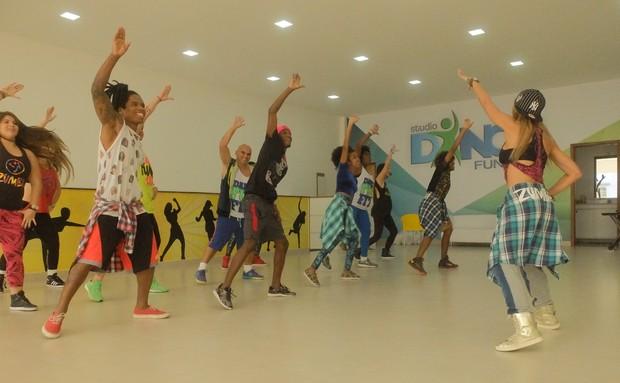 Lellezinha e Dream Team fazem curso de danças caribenhas (Foto: Divulgação)