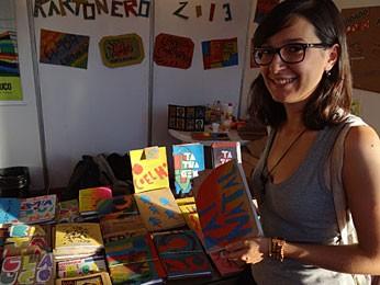 Andreia Joana Silva, do selo cartoneiro Cephisa (Foto: Luna Markman / G1)