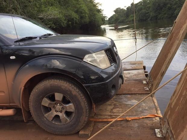 Nilson precisou pagar para atravessar o rio Arataú. Parajá Transamazônica (Foto: Nilson Galvão/ Arquivo Pessoal)
