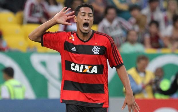Hernane, Fluminense x Flamengo (Foto: Marcelo Carnaval/Agência O Globo)
