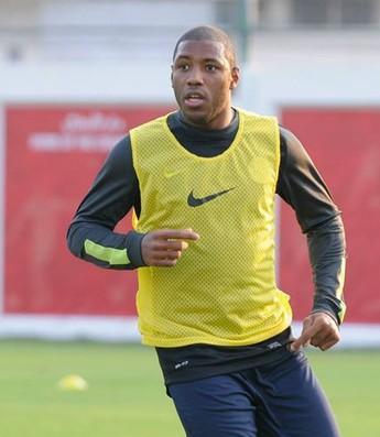 Jucilei faz seu primeiro treino no Al Jazira (Foto: Divulgação)