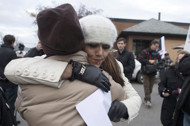 Yasmin Nakhuda organizou protesto na quarta-feira em Toronto (Foto: Chris Young/Canadian Press/AP)