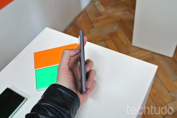 Lumia 830 é o mais fino e leve top de linha Windows Phone (Foto: Fabrício Vitorino/TechTudo)