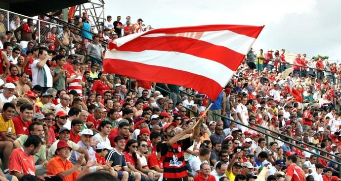 Torcida do Uberaba Sport no Uberabão (Foto: Enerson Cleiton / GLOBOESPORTE.COM)