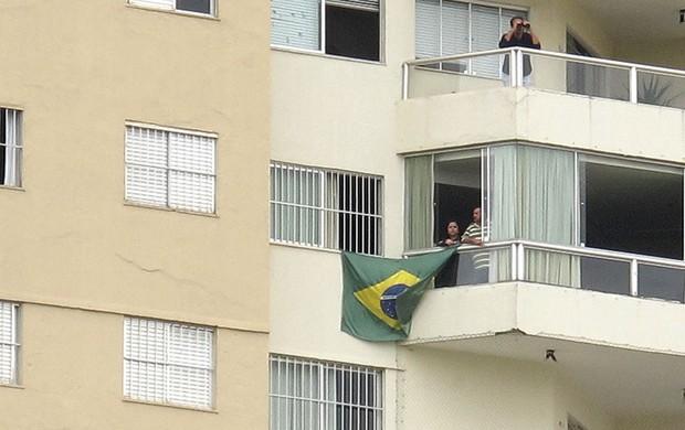 torcida janela treino seleção brasileira (Foto: Janir Júnior)