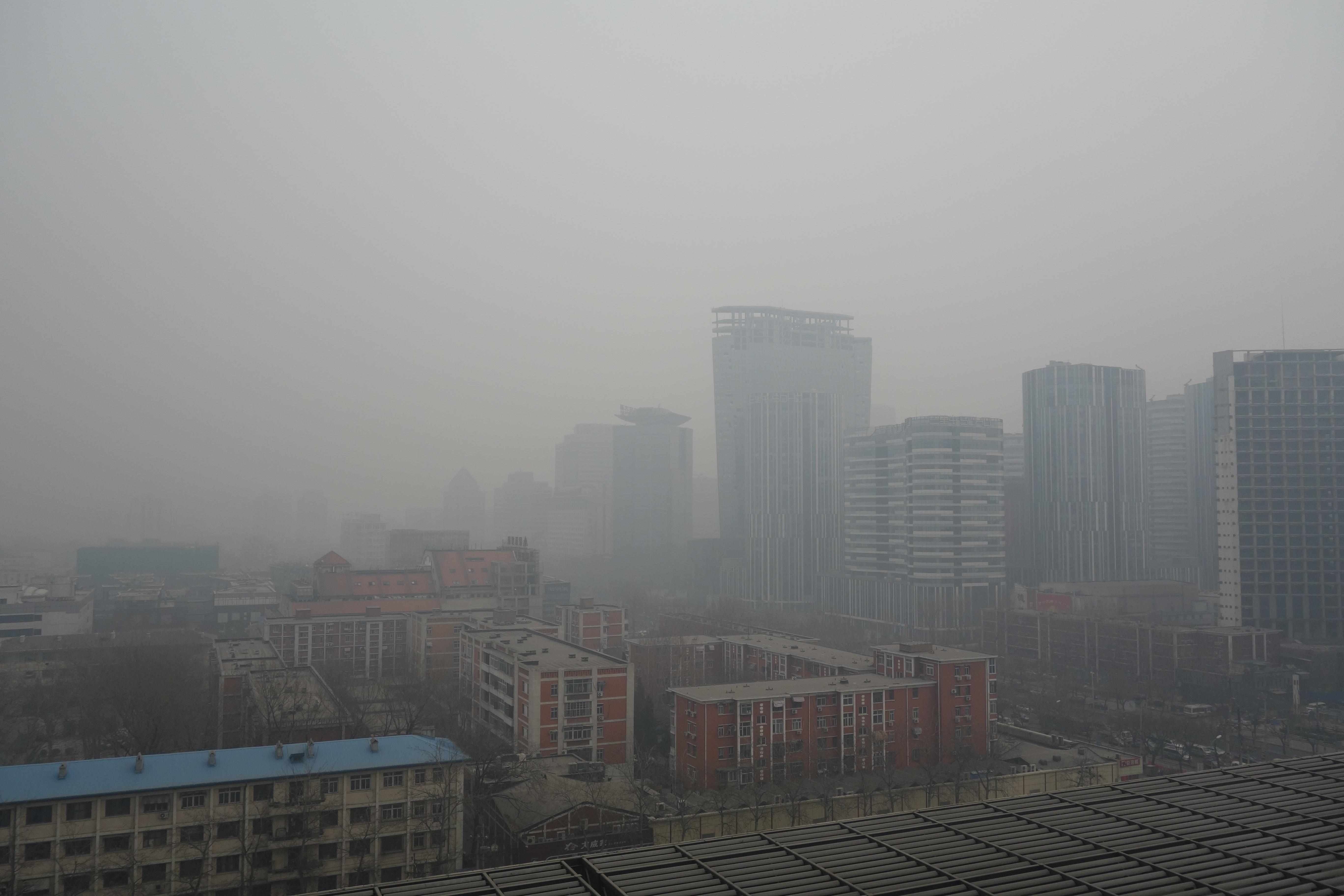 Camada de poluição cobre a cidade chinesa de Pequim (Foto: Wikimedia Commons)